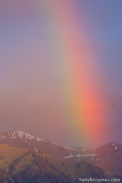 1167-a-rainbow-in-the-mountains.jpg